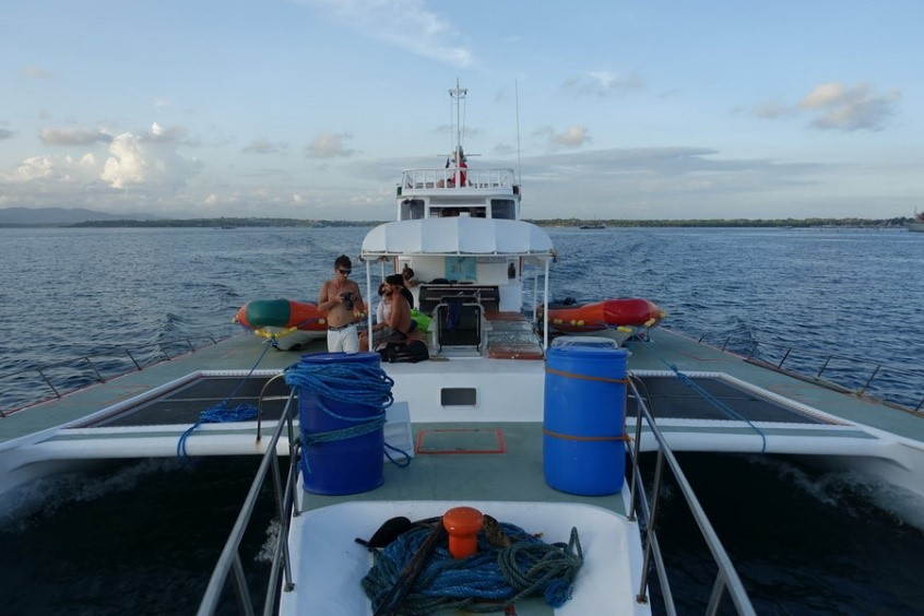 Liveaboard Diving Tour